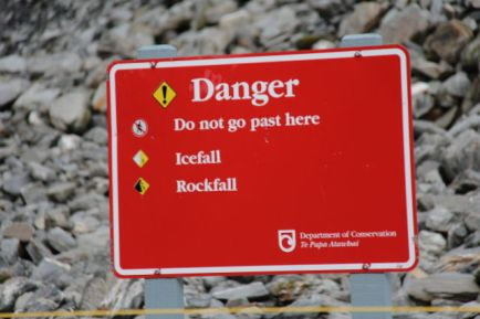 Franz Josef Glacier icefall warning
