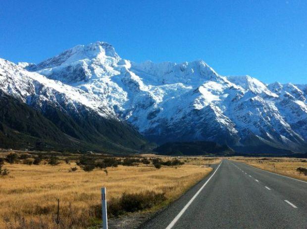 Tasman Glacier road