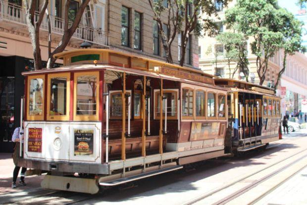 San Francisco cable car turning