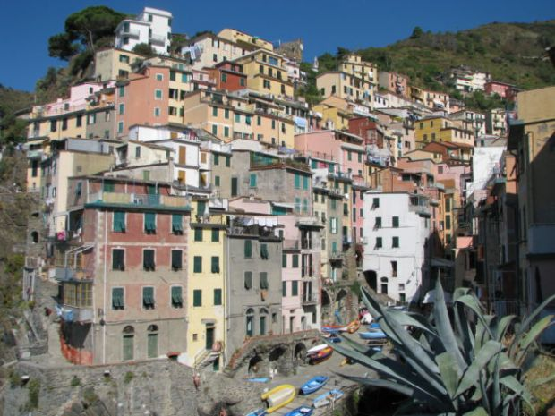 Hiking Cinque Terre trails, Riomaggiore