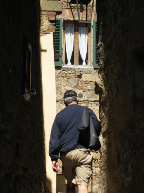Monticchiello narrow lane
