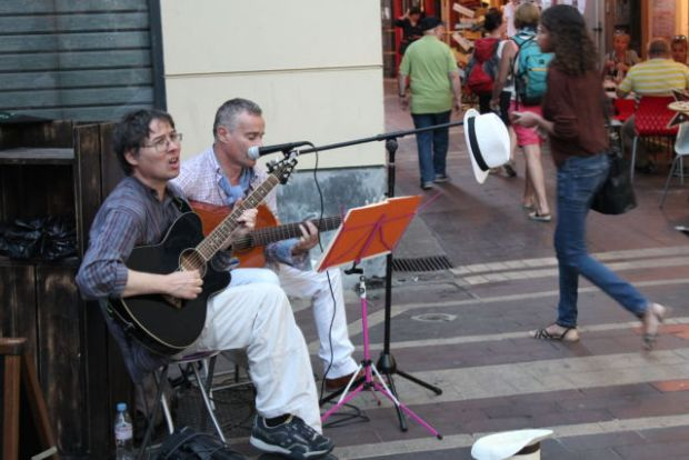 Street musicians in Nice Old Town, France