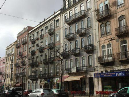 Touring Lisbon on tram 28: Avenida Almirante Reis