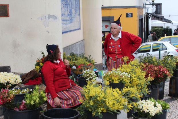Mercado dos Lavradores flower sellers