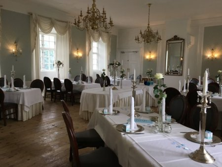 Vraa Slotshotel dining room