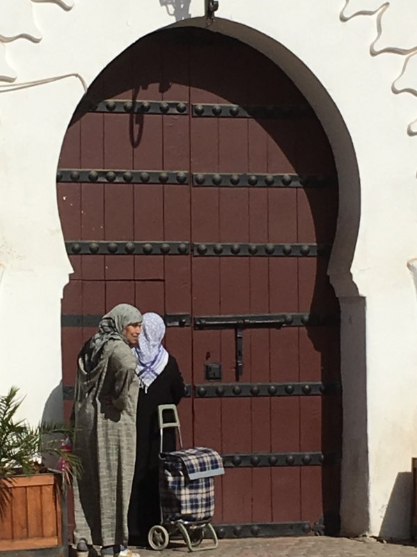 Women at Koutobia Mosque entrance