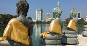 Dreaming about travel: Buddha statues in Colombo