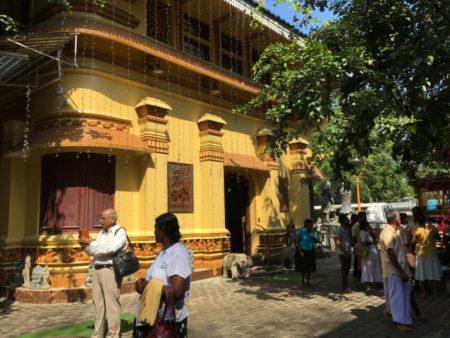 Gangaramaya Temple visitors, Colombo