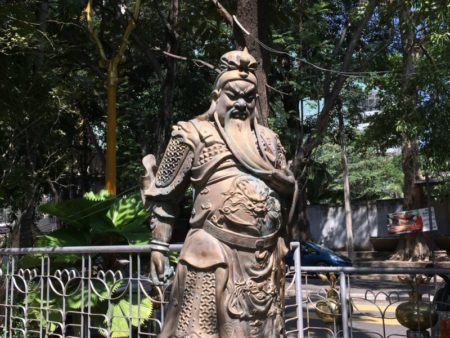 Gangaramaya Temple statue