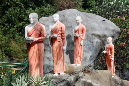 Dambulla Golden Temple monks