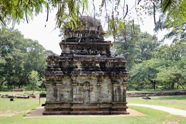 Polonnaruwa Shiva Devale temple