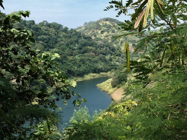 Driving from Kandy to Nuwara Eliya