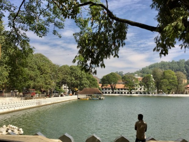 Kandy Lake and Temple of the Tooth