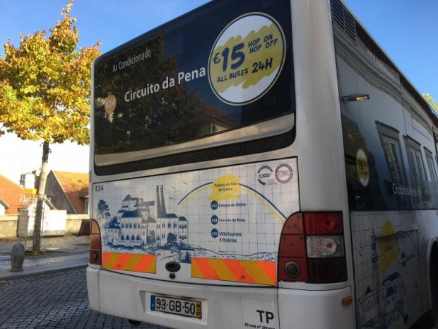 Visiting the palaces of Sintra by bus
