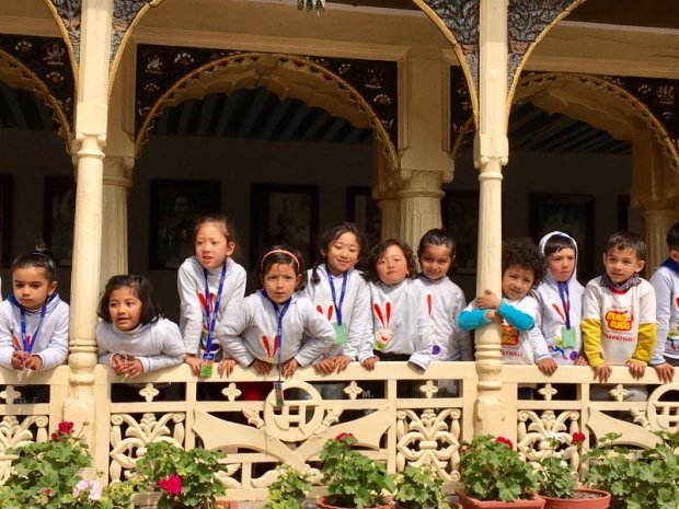 School class visiting Kathmandu Durbar Square