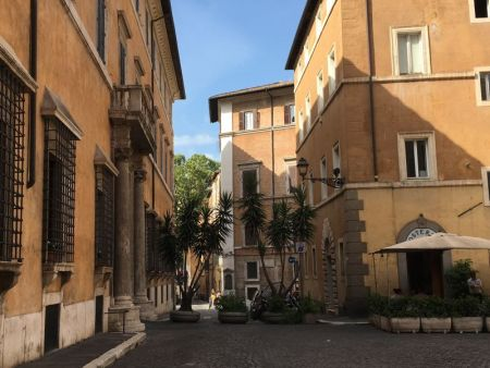 Italy by train and car: street in Rome