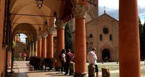 Piazza Santo Stefano porticoes, Bologna