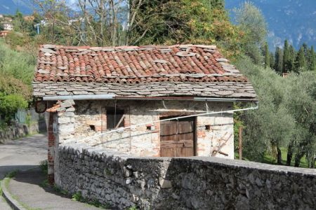 An old roadside house, Lake Como