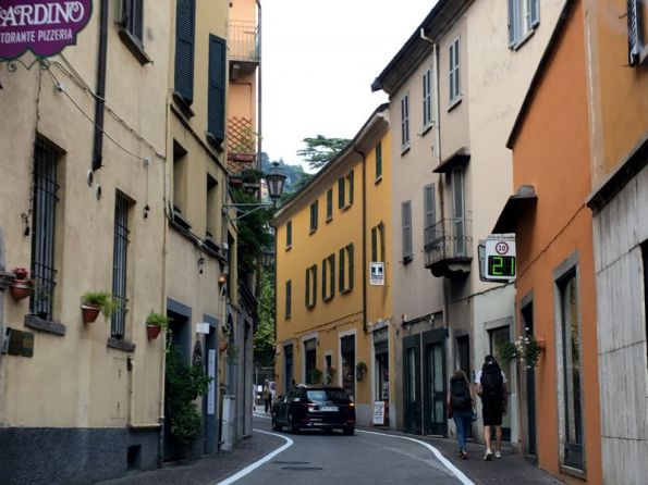 Driving through Lake Como villages