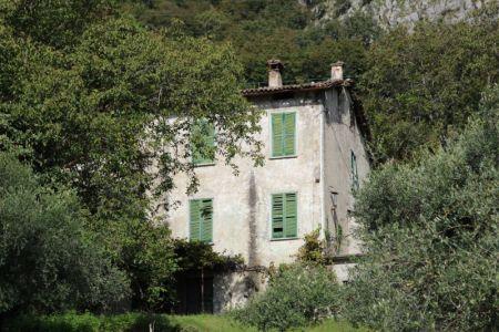 Lago di Como hillside house