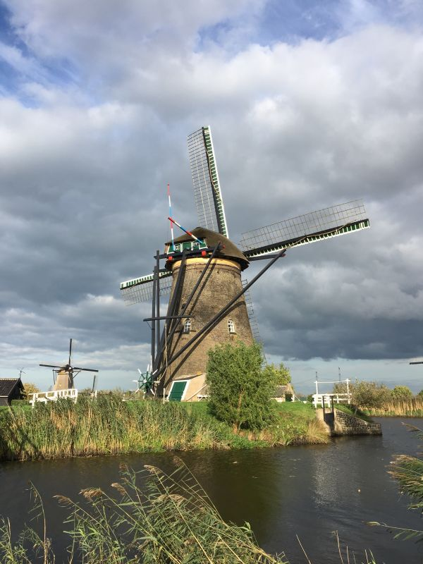 River cruising in the Netherlands: Kinderdijk Unesco windmills