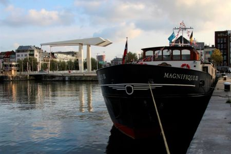 Magnifique III docking at Dordrecht