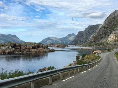 Exploring Lofoten: the road to Henningsvær