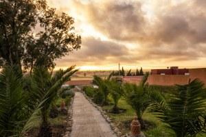 Coucher de soleil dans un Riad à Oualidia au Maroc - Les Routes du Monde