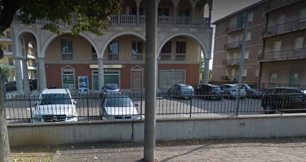 La farmacia comunale di via Battisti, foto da Google Street View