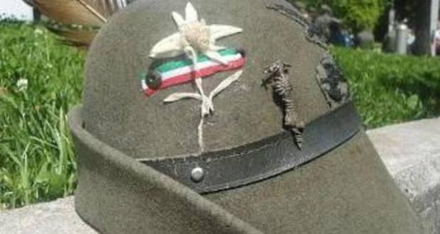 Un cappello alpino, foto generica