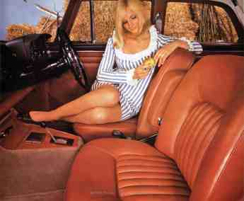 Brochure---1968---Rover-3½-Litre---Image---Woman-And-Tan-Interior