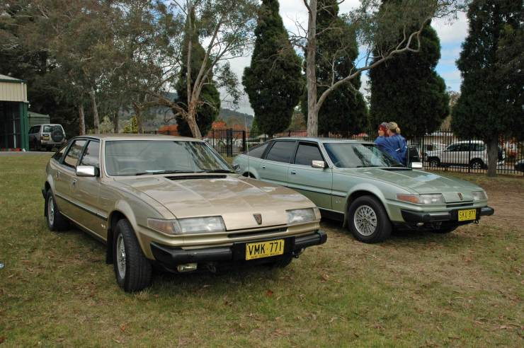 DSC_0093 Two 1982 Rover 3500SE Mittagong 20-5-2012
