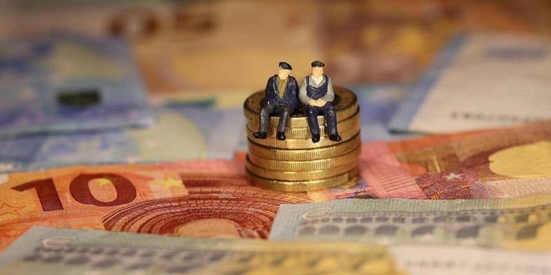 Αναδρομικά συνταξιούχων: Άμεση καταβολή με «κούρεμα» ή δόσεις σε βάθος 5ετίας