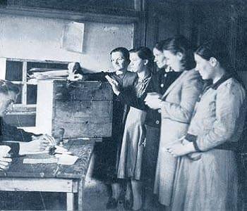 Γυναίκες πρώτη φορά ψήφος