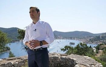 ΚΚΕ για Τσίπρα: «Εδώ καράβια χάνονται, βαρκούλες αρμενίζουν»