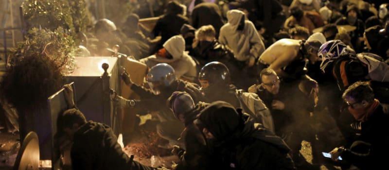 Καταλονία: Συγκρούσεις αυτονομιστών με αστυνομία και ακροδεξιούς