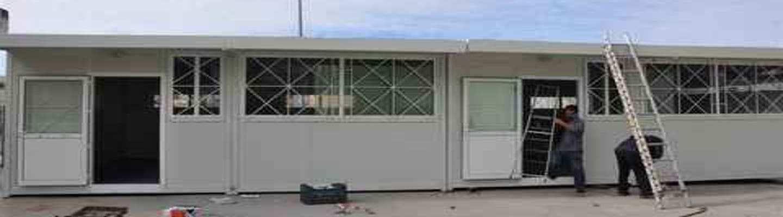 Με νόμο «fast track» στοιβάζουν νήπια σε λυόμενες αίθουσες