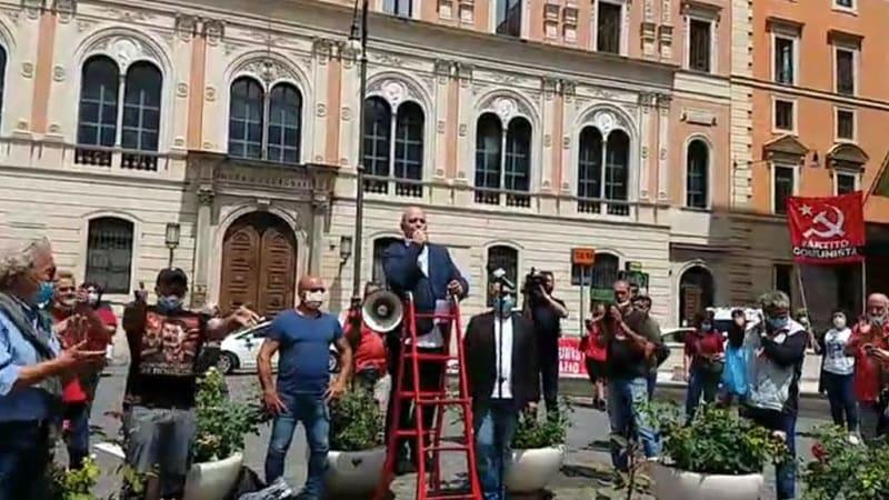 «H Δημοκρατία στους εργάτες» – Κινητοποίηση του ΚΚ Ιταλίας σε 20 πόλεις