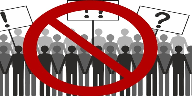 Σουηδία: Κυβέρνηση και συνδικάτα έβαλαν θηλιά στο λαιμό των εργαζομένων
