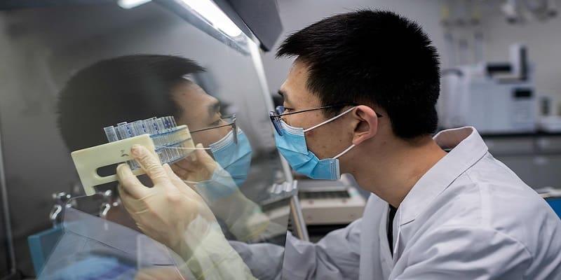 Φαρμακοβιομηχανίες αρνήθηκαν σχέδιο χρηματοδότησης για παρασκευή εμβολίων για κορωνοϊούς