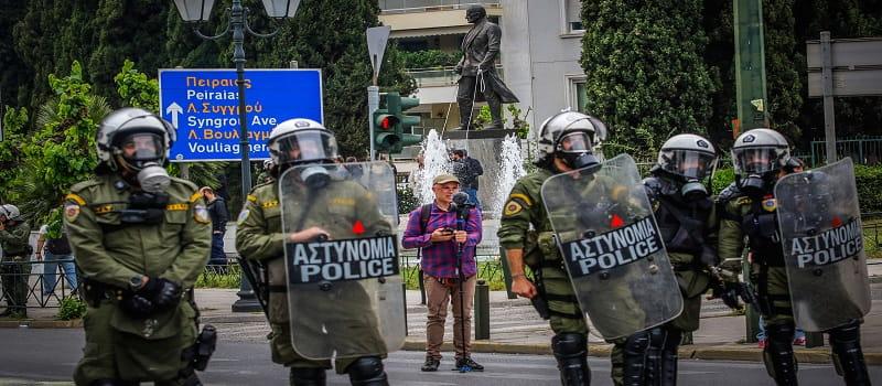 Φοιτητές προσπάθησαν να ρίξουν το άγαλμα του Τρούμαν