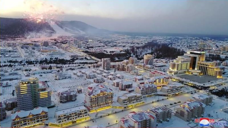 Samjiyon – Ένα αρχιτεκτονικό «θαύμα» εγκαινιάστηκε στη ΛΔ της Κορέας