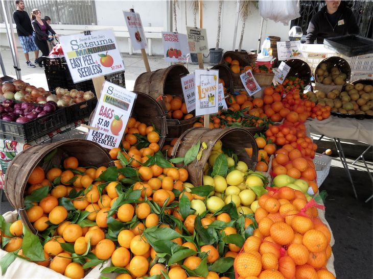 Citrus Fruit at Mar Vista market Los Angeles California