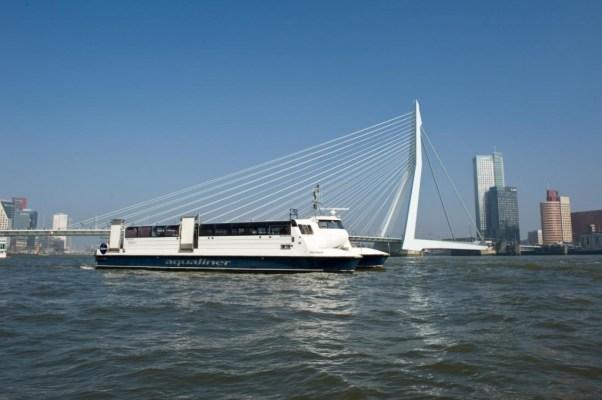 Aqualiner_Erasmusbrug