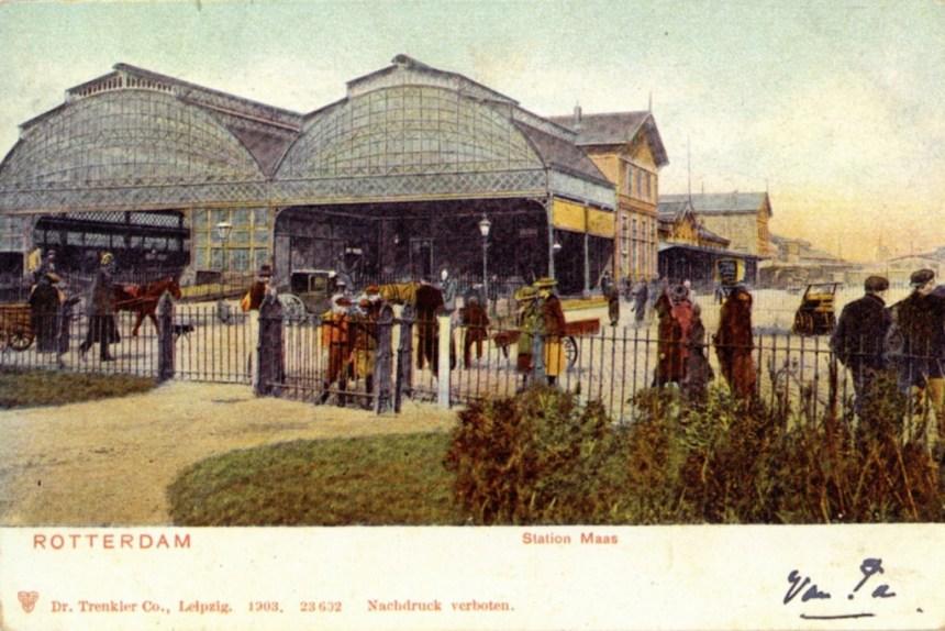 Het Rhijnspoorwegstation, Rotterdam-Maas, rond de eeuwwisseling.