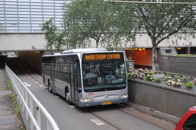 Bus 224, Citaro-Mercedes, lijn 44, Statentunnel, Omleiding diverse lijnen in verband met het Zomercarnavel op 30-7-2011.