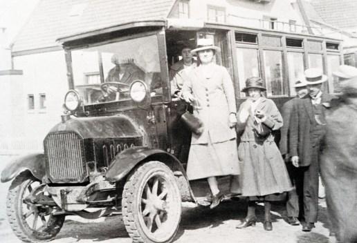 De Fiat waarmee de gebr. Buitelaar in 1920 in Waddinxveen op de lijn Rotterdam-Boskoop.