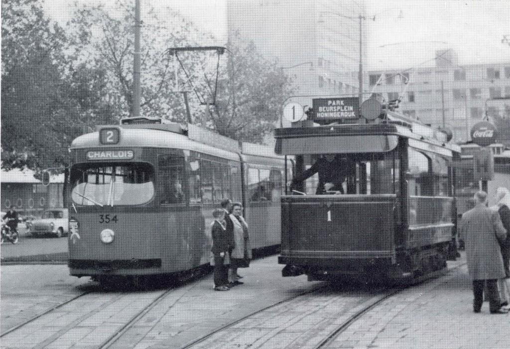 motorrijtuig 1 en motorrijtuigR 354 Kruisplein lijn 2 (museumlijn) 1965