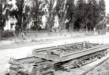 De restanten van aanhangrijtuig 1352 keren terug uit  Duitsland