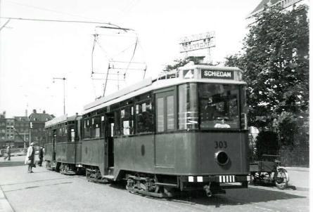 Motorrijtuig 303 en aanhangrijtuig 1007, lijn 4, Oosterkade, 18-7-1943